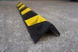 黒く及び黄色のゴム製正方形フレームのコーナーガード