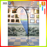 Uso promozionale della bandierina della piuma del poliestere che fa pubblicità alla mostra