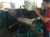 Machine de fabrication de tuyaux en métal à rayures