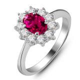 Anel lindo elegante do rubi da prata esterlina do sólido 925