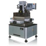 Máquina de corte de alta velocidade Cost-Effective do fio de EDM (DK7732)