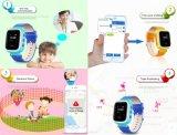 子供のスマートな腕時計の電話GPS追跡者の機密保護モニタによって反失われるSos