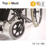 Detachable Desk Armrest를 가진 Topmedi Bariatric Steel Wheelchairs