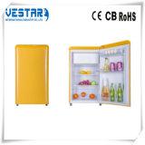Mini refrigerador da cor vermelha com o refrigerador 98L