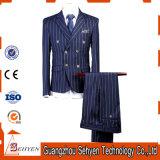 方法様式1は人のための形式的なスーツにボタンをかける