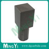 Kundenspezifischer Präzisions-Metallquadrat-Locher mit rundem Kopf