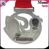 Medalla corriente conmemorativa barato modificada para requisitos particulares del deporte del maratón que compite con