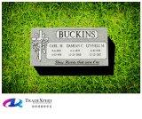 잔디에 편평한 마커 묘석을 새기는 G603 회색 화강암