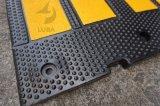 Gelbe Umhüllungen-Schwarz-Gummigeschwindigkeits-Buckel