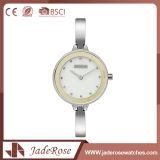 Niedriger Preis-klassische Quarz-Sport-Uhr mit weißer Vorwahlknopf-Farbe