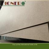 A colagem da alta qualidade E1 9 milímetros Plain o MDF com preço barato em China