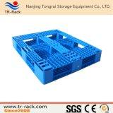 Pálete plástica média para o uso logístico do armazenamento