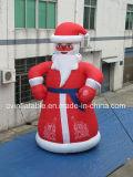 Il Babbo Natale gonfiabile gigante