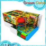 Campo de jogos interno das crianças da série da casa da palha