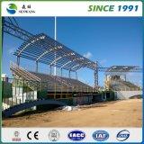 Stahlkonstruktion-Lager mit Fachmann