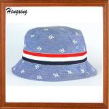 Tampões verific da cubeta dos chapéus da cubeta com seu logotipo