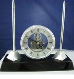 Reloj del escritorio del palo de rosa y conjunto de la pluma