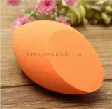 El látex del mezclador de la esponja de la belleza de los cosméticos de la belleza libre compone la esponja