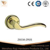 Namen toe de goud Opgepoetste Handvatten van de Hefboom van de Deur van de Legering van het Zink op (Z6038-ZR05)