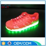 USB chargeant des chaussures de danse de DEL de la semelle changeable de 8 couleurs