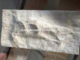 壁のタイルモカクリームのベージュ石灰石