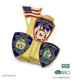 La polizia d'ottone del metallo di disegno speciale smalta il distintivo con la spilla di sicurezza