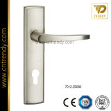Zink-Legierungs-Tür-Verschluss-Griff auf Platte (7012-Z6080)