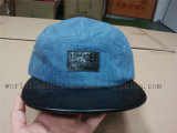 Sombrero de encargo del panel del dril de algodón 5 de Jean con el borde de cuero plano