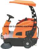 Industrielle Reinigungs-Geräten-Fahrt auf Straßen-Kehrmaschine