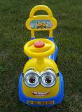 Passeio no carro plástico preto do balanço das rodas dos brinquedos do carro do balanço para miúdos para a venda