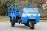 De rechtse Vrachtwagen Met drie wielen van de Aandrijving