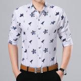 Knoop onderaan BedrijfsOverhemd voor de Kleren van Mensen met het Patroon van de Lelie