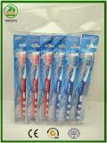 2017 heiße Beutel-Verpackungs-erwachsene Zahnbürste des Verkaufs-neue Entwurfs-OPP mit Massager Gummi und Zunge-Reinigungsmittel