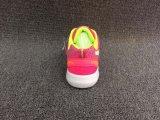 新しく熱い方法女性の偶然のスニーカーの靴