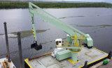 Chaland de port de cendres volantes de sable de minerai déchargeant la grue hydraulique d'E