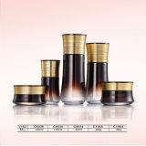 最もよい品質のアルミニウムふたが付いている包装の化粧品のガラス瓶そして空気のないびん