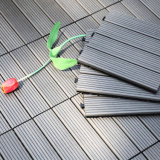 Il Decking composito di plastica di legno si imbarca sulla serratura facile di collegamento cinese del travetto esterno del pavimento delle mattonelle della piattaforma