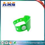Wristband a gettare del vinile del PVC RFID della plastica di frequenza ultraelevata di industria di sanità di congressi