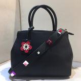 새로운 도착은 색깔 충돌 Studdeds 결박 운반물 어깨에 매는 가방 도매가 Sy8009를 가진 형식 숙녀 핸드백을 자루에 넣는다