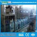 Máquina que capsula de relleno automática del fregado de las botellas de 5 galones
