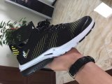 Form-Ineinander greifen-Sport-laufender Schuh