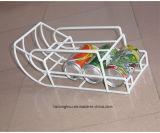 La memoria di collegare fissata al muro della visualizzazione di amo della tazza della cucina accantona la cremagliera