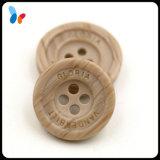 Botón de madera de imitación de los orificios de la resina 4 para las camisas