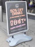 Waterbaseの屋外広告ポスター立場の新製品