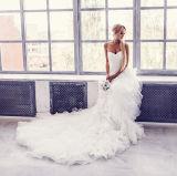 Schatz-falteten Brautballkleider Organza-geschwollenes Hochzeits-Kleid Lb919