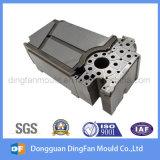 注入型のための予備品を機械で造る高精度CNC