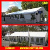 Parede lateral desobstruída e barraca impermeável da feira profissional