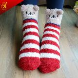 Calcetines borrosos del tobillo bonito del modelo para las muchachas