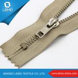 Zipper feito sob encomenda do metal dos dentes do arco-íris do tamanho da venda direta da fábrica