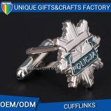 Ha personalizzato i propri gemelli del metallo del regalo del ricordo di marchio per l'uomo